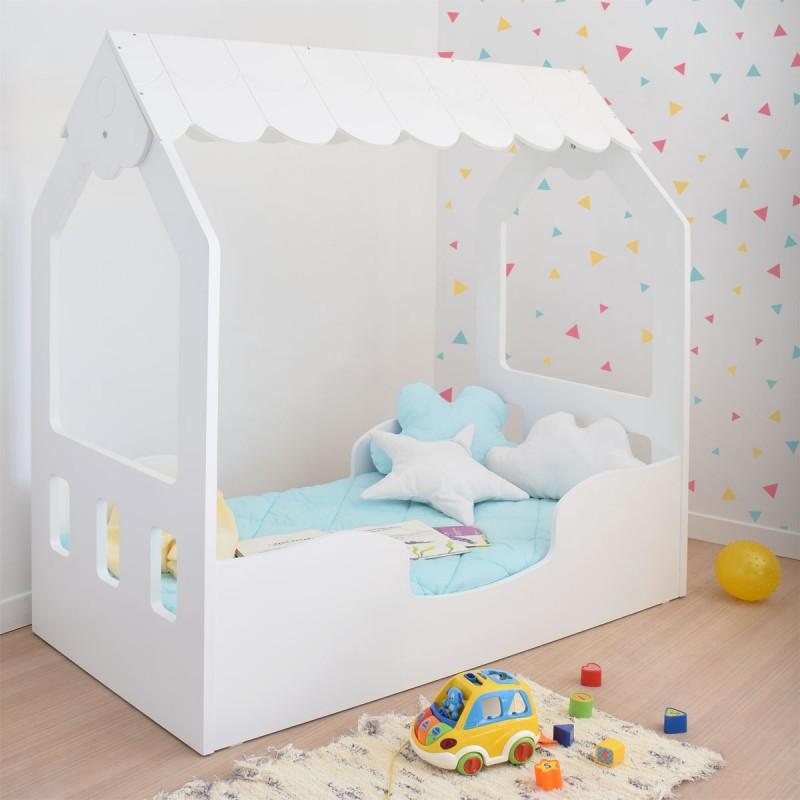 Cama Montessori Casita con papel pintado