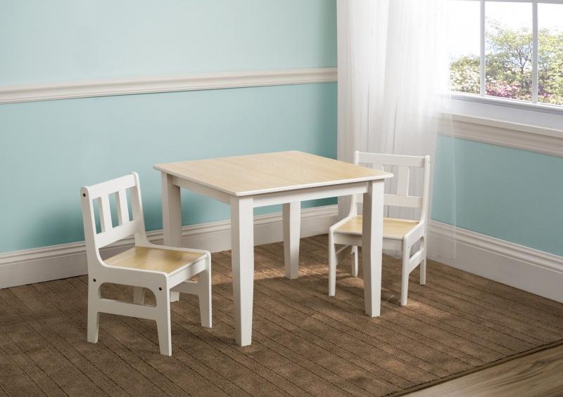 Mesa con sillas colección Natural