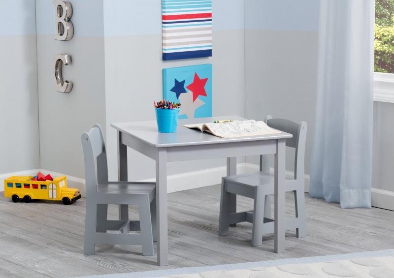 Mesa con sillas colección Grey